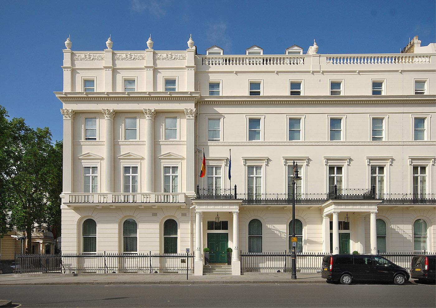 german embassy fa ade london berraum architects. Black Bedroom Furniture Sets. Home Design Ideas