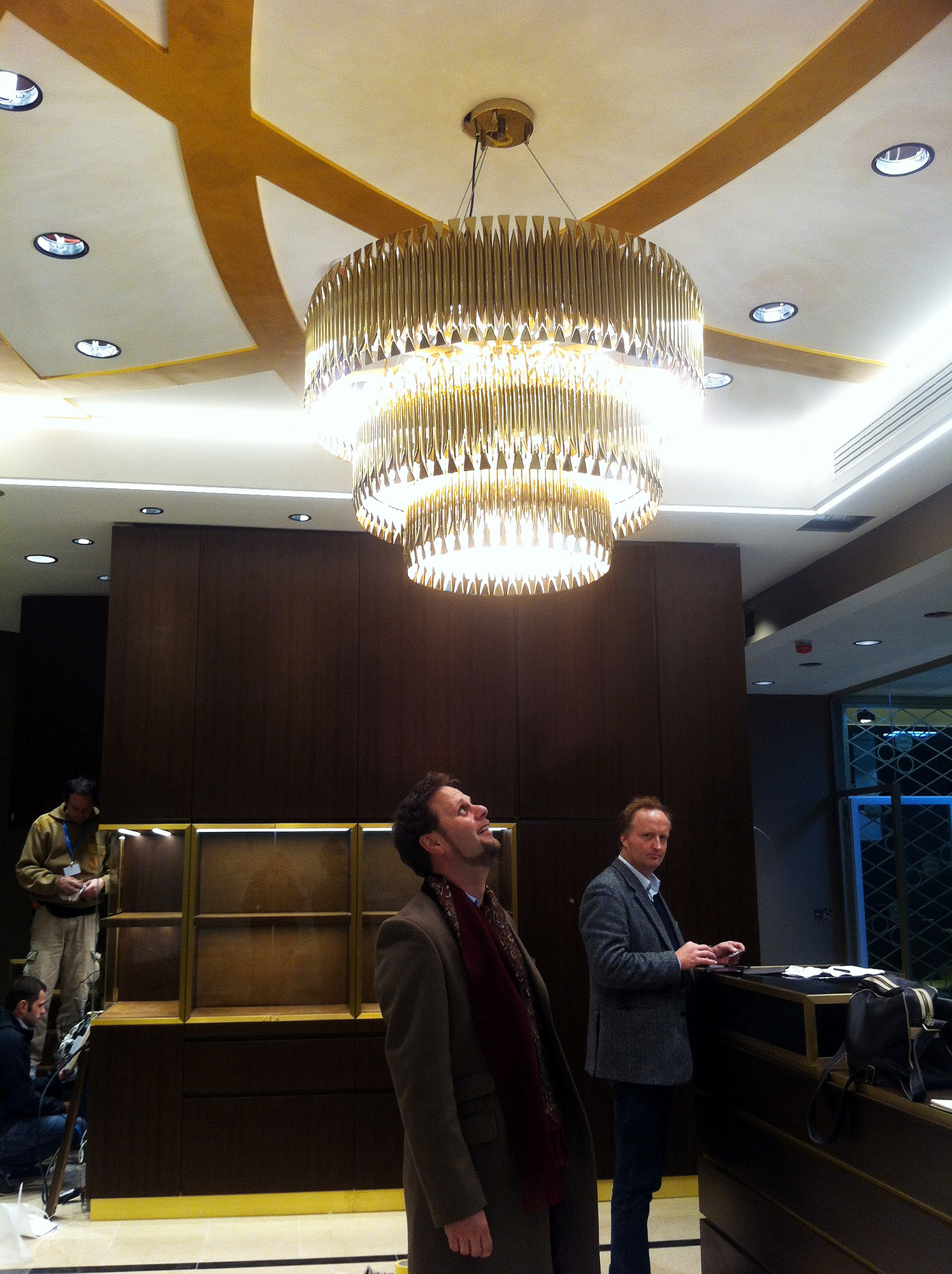 uberraum-architects-degussa-chandelier-1